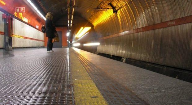 metro a roma chiusa estate