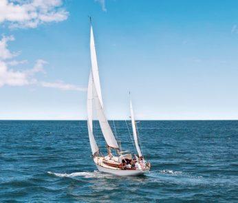 barca-vela-mare